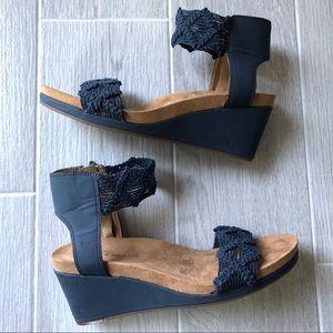Lucky Brand Kierlo blue leather knit wedge sandal